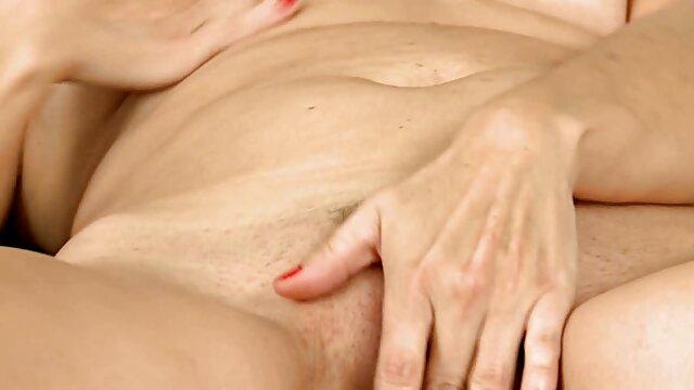 Fagiano ha dato i film porno amatoriali casalinghi capelli rossi nel lago cespugli