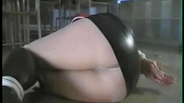 La sua video anale casalingo ragazza si sveglia e subito continuare ad avere anale